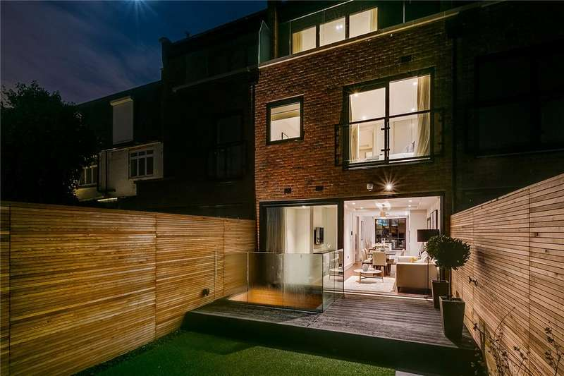 3 Bedrooms Terraced House for sale in Sulivan Road, Parsons Green, London