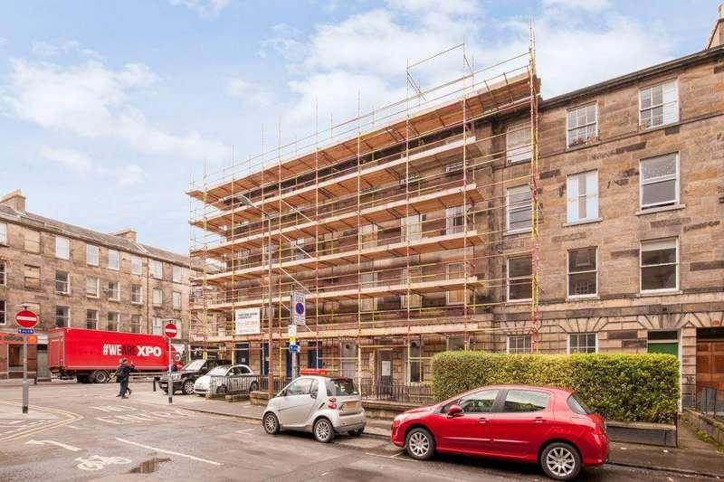 3 Bedrooms Flat for sale in 4/4 Rankeillor Street, Edinburgh, EH8 9HY