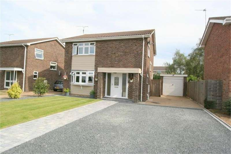 4 Bedrooms Detached House for sale in Baynards Crescent, Kirby Cross, FRINTON-ON-SEA, Essex