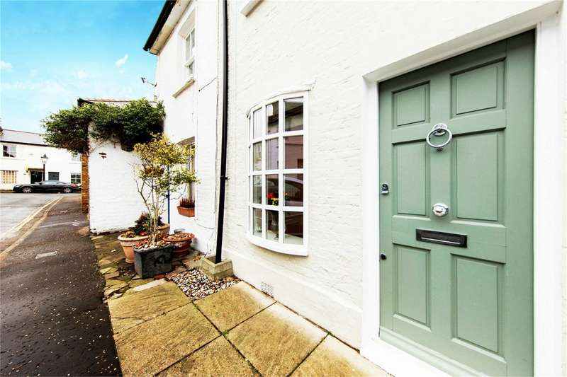 2 Bedrooms Terraced House for sale in Hyde Road, Richmond, Surrey