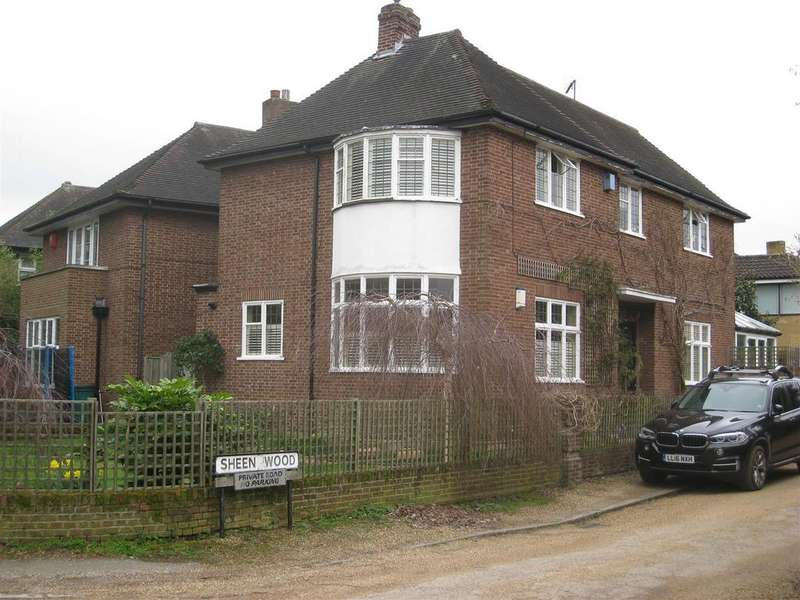 3 Bedrooms Detached House for sale in Sheen Wood, East Sheen