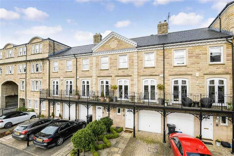 3 Bedrooms Town House for sale in Queens Gate, Harrogate, North Yorkshire