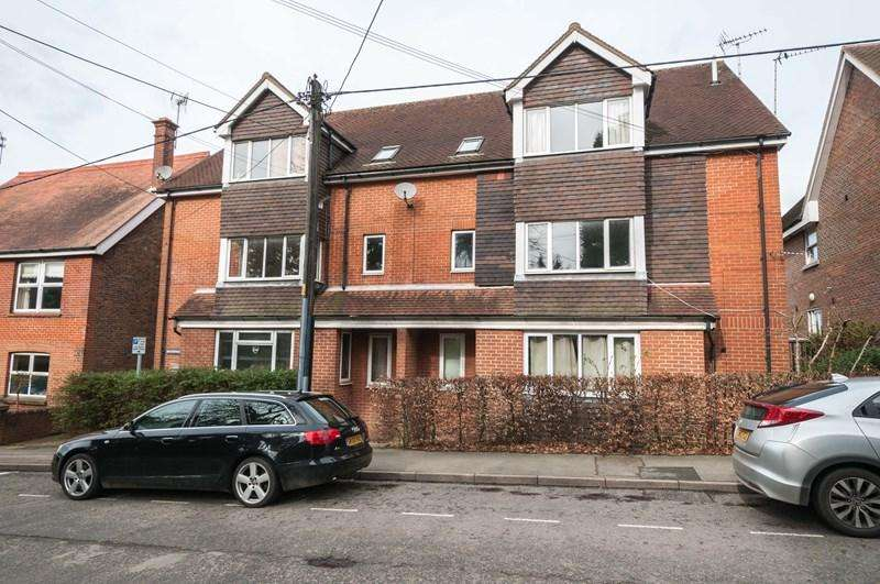 1 Bedroom Flat for sale in High Street, Buxted, Uckfield