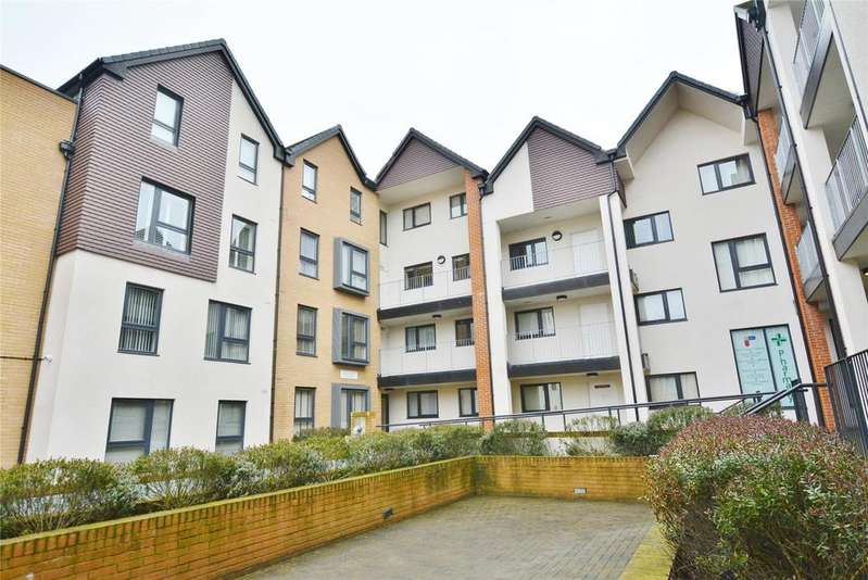 2 Bedrooms Apartment Flat for sale in Attenborough Court, Owen Square, Watford, Hertfordshire, WD19