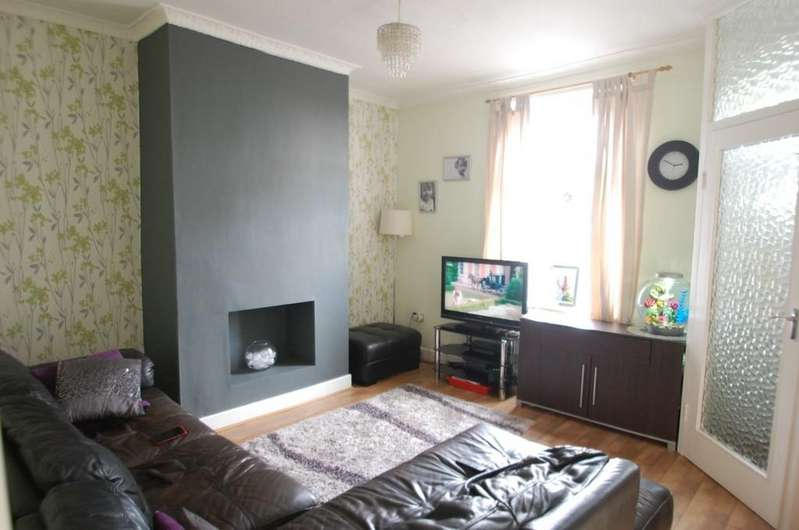 2 Bedrooms Terraced House for sale in Branch Road, Lower Darwen