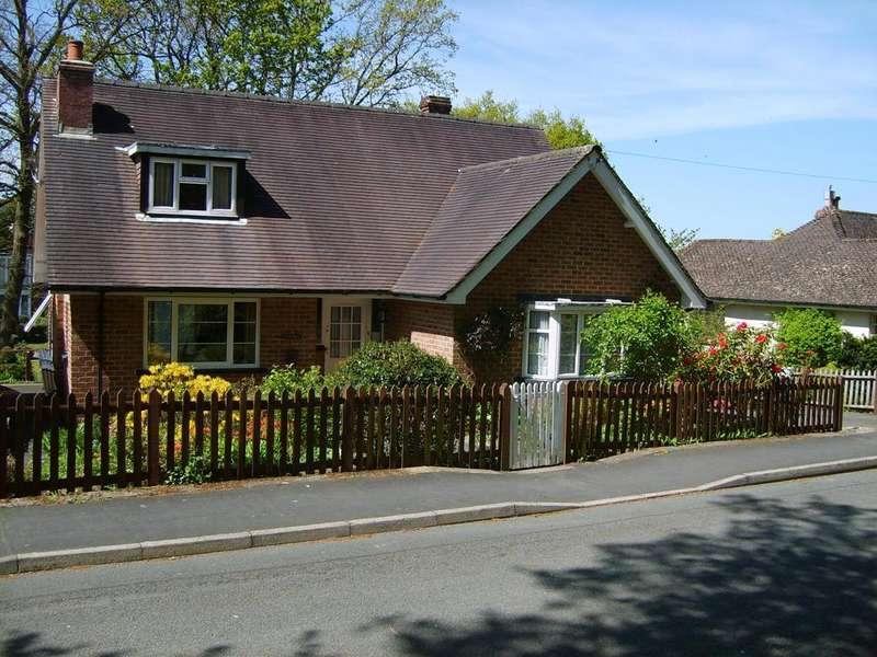 3 Bedrooms Detached Bungalow for sale in Western Promenade, Llandrindod Wells, Powys
