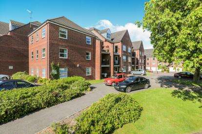 1 Bedroom Flat for sale in Winteringham House, Whitecross Gardens, York
