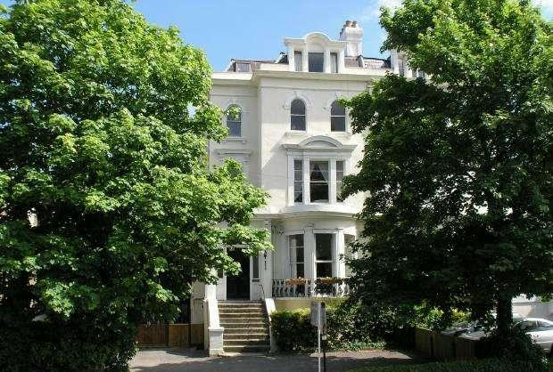 2 Bedrooms Apartment Flat for sale in Osborne Road Windsor
