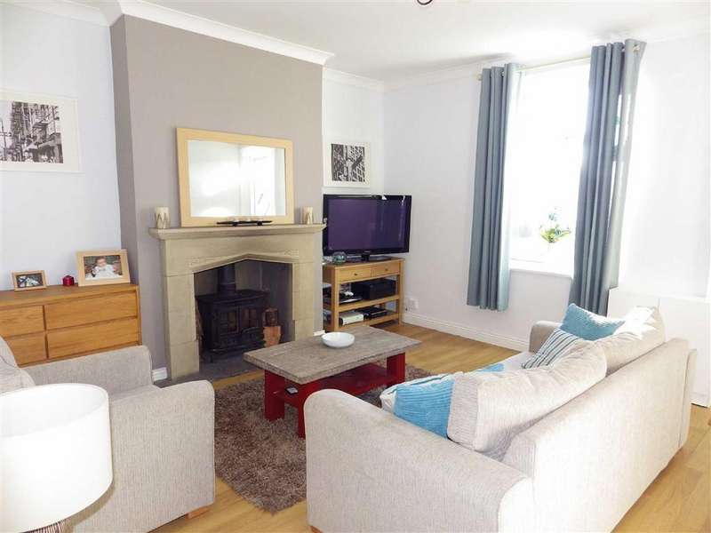 3 Bedrooms Terraced House for sale in Burnley Road, Lovecough, Rossendale, Lancashire, BB4