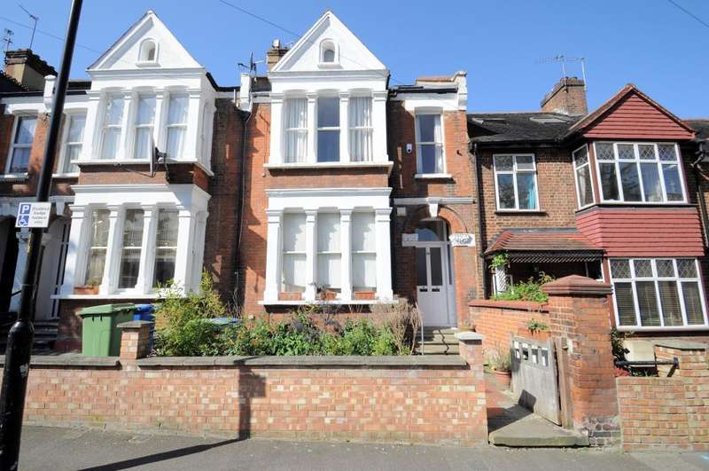 3 Bedrooms Flat for sale in Bushey Hill Road, London, SE5 8QJ