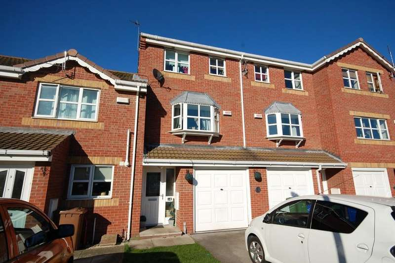 4 Bedrooms Town House for sale in Reed Court, Goole