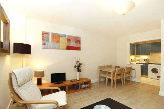 1 Bedroom Flat for sale in Skyline Plaza Building, 80 Commercial Road, London