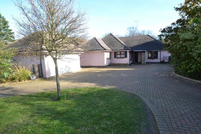 3 Bedrooms Detached Bungalow for sale in Norsey Road, Billericay, Essex, CM11