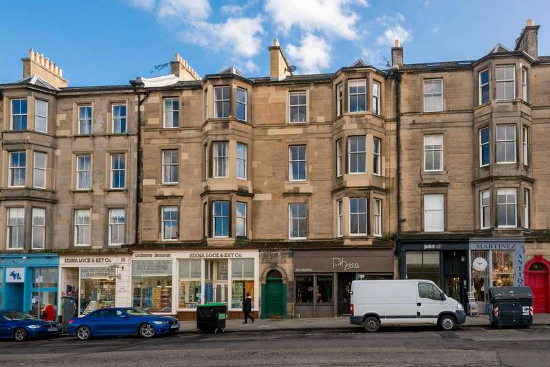 2 Bedrooms Flat for sale in 13 3F2 Brandon Terrace, New Town, EH3 5EA