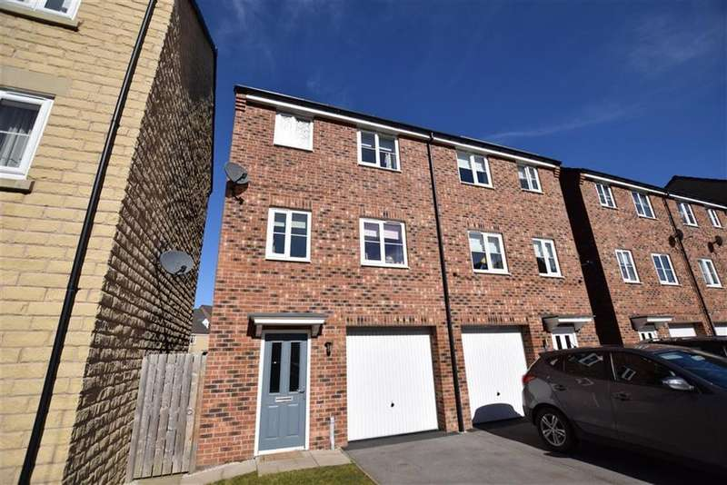 4 Bedrooms Town House for sale in Fullshaw Bank, Penistone, Sheffield, S36