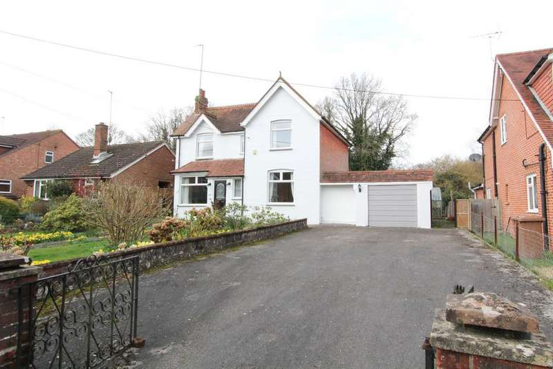3 Bedrooms Detached House for sale in St. Marys Road, Liss