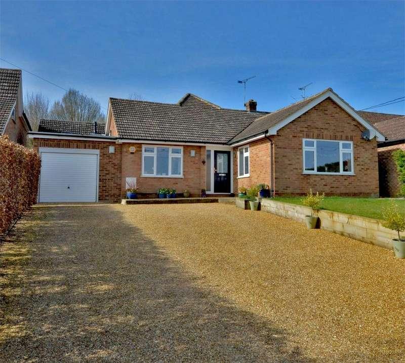 4 Bedrooms Chalet House for sale in Stortford Road, Clavering, Nr Saffron Walden