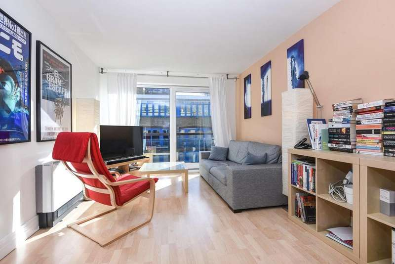 2 Bedrooms Flat for sale in Rotherhithe Street, Surrey Quays, SE16
