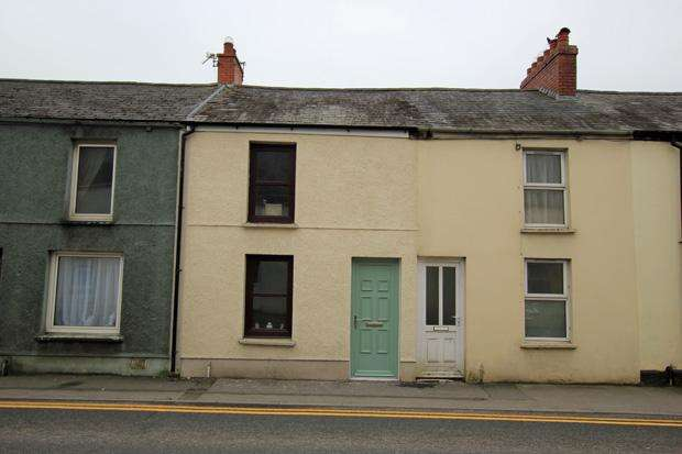 2 Bedrooms Terraced House for sale in Priory Street, Carmarthen, Carmarthenshire