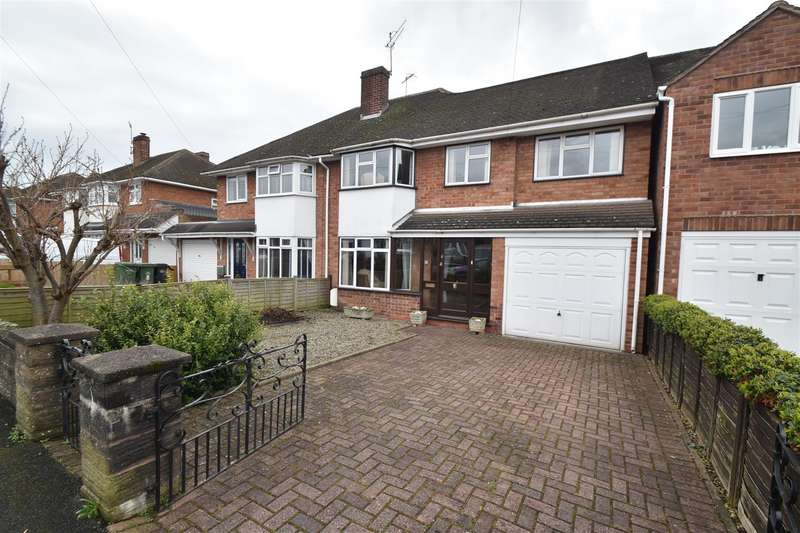 4 Bedrooms Property for sale in Pilgrim Road, Droitwich