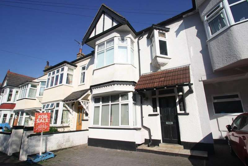 5 Bedrooms Terraced House for sale in Oakleigh Park Drive, Leigh-On-Sea
