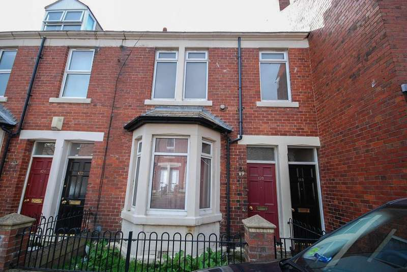 4 Bedrooms Maisonette Flat for sale in Westbourne Avenue, Gateshead