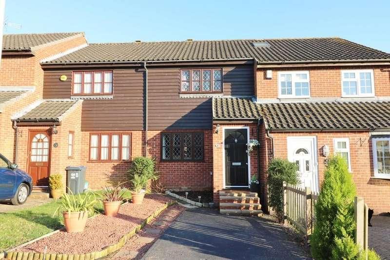 3 Bedrooms Terraced House for sale in Gatesbury Way, Puckeridge, Ware