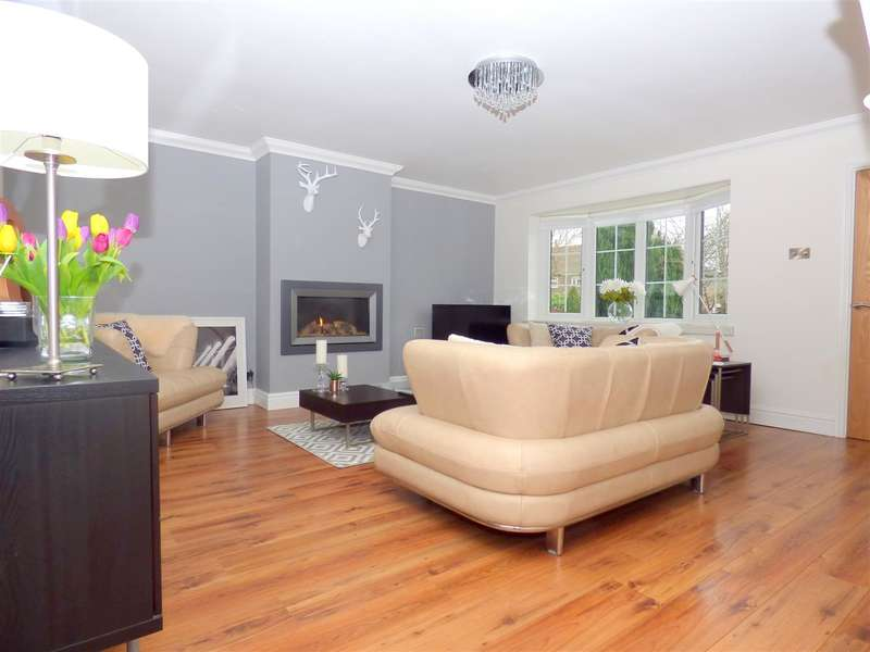 4 Bedrooms Detached House for sale in Tarbock Road, Huyton, Liverpool