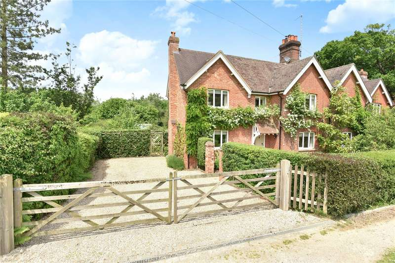 3 Bedrooms Semi Detached House for sale in Shepherds Hill Cottages, Shepherds Hill