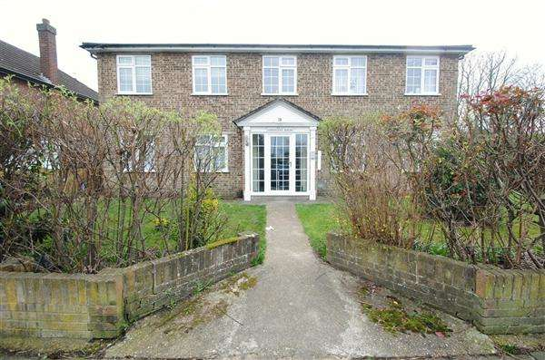 2 Bedrooms Apartment Flat for sale in Connaught House, 78 Station Crescent, Ashford