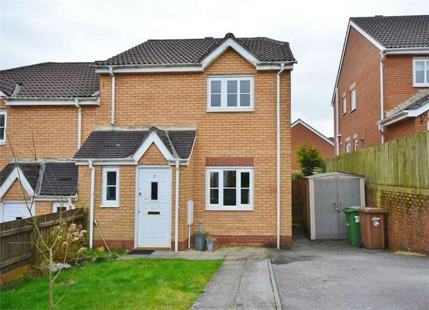 3 Bedrooms Semi Detached House for sale in Cae Melyn, HENGOED, Caerphilly