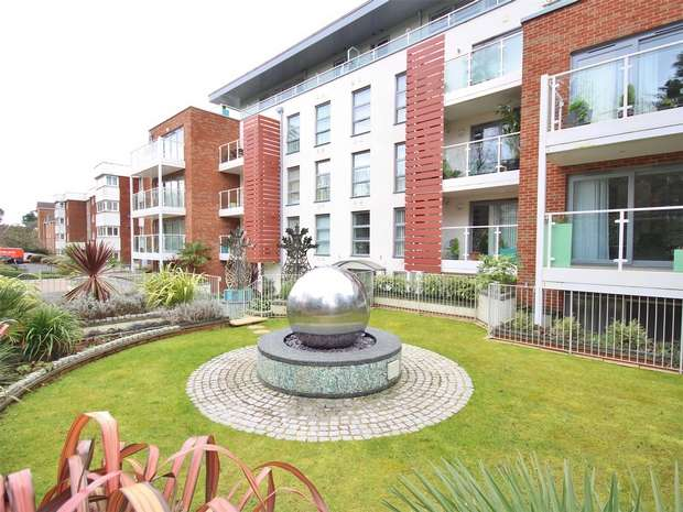 2 Bedrooms Flat for sale in Central Park, 8 Branksome Wood Road, Branksome Wood, BOURNEMOUTH, Dorset