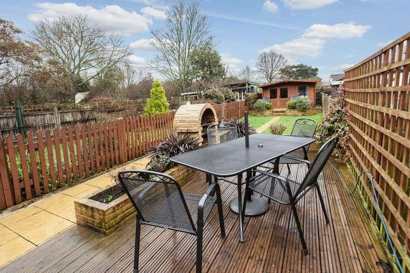 3 Bedrooms Terraced House for sale in Blackbrook Lane, Bickley, Bromley