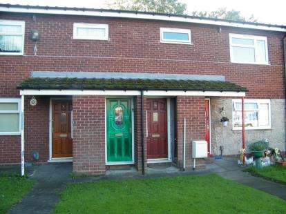 2 Bedrooms Flat for sale in New Pool Road, Cradley Heath, West Midlands