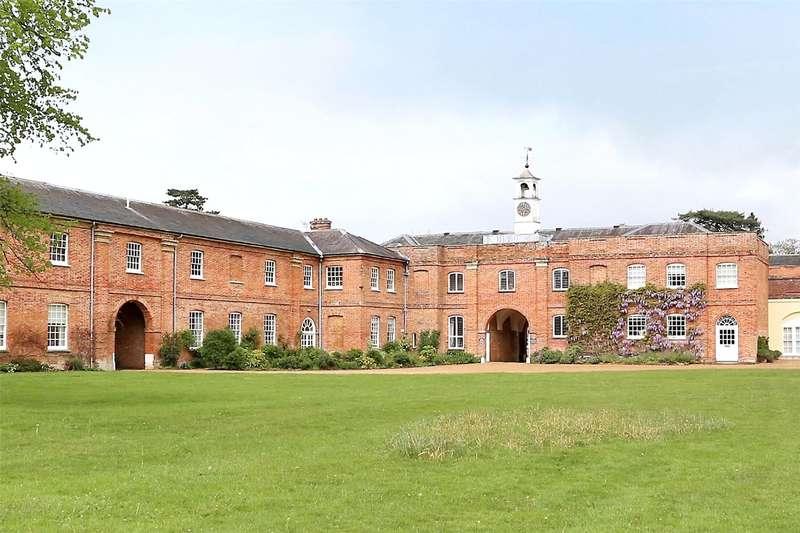 1 Bedroom Flat for sale in Swallowfield Park, Swallowfield, Reading, Berkshire, RG7