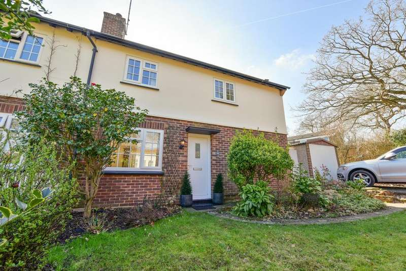 3 Bedrooms Semi Detached House for sale in Lonsdale Road, Weybridge KT13