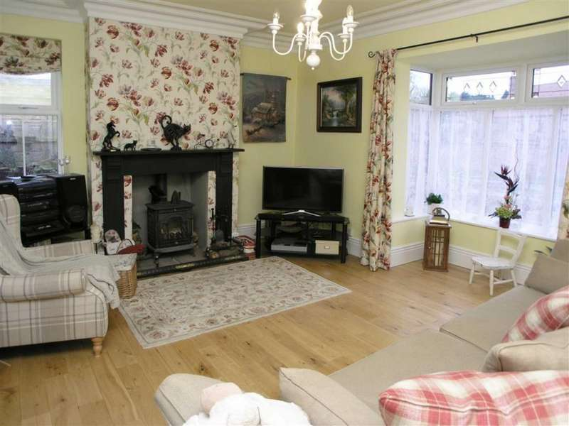 4 Bedrooms Detached House for sale in Scarborough Road, Driffield, East Yorkshire