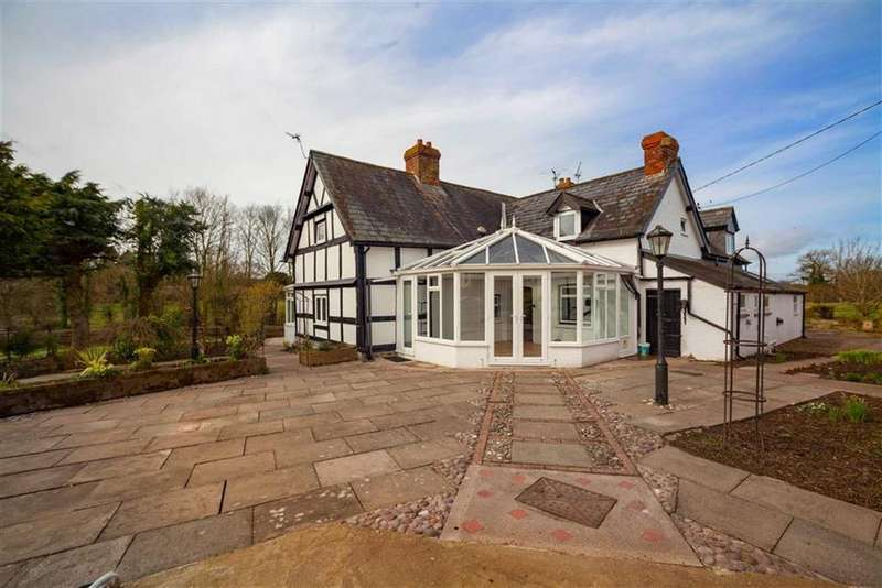 5 Bedrooms Detached House for sale in BREINTON, Hereford