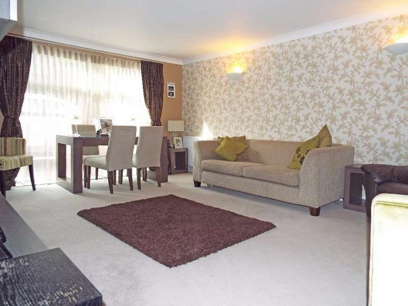 2 Bedrooms Flat for sale in Wilbury Avenue Hove East Sussex BN3