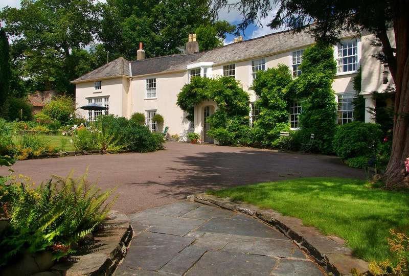4 Bedrooms Detached House for sale in Ladywell, Barnstaple