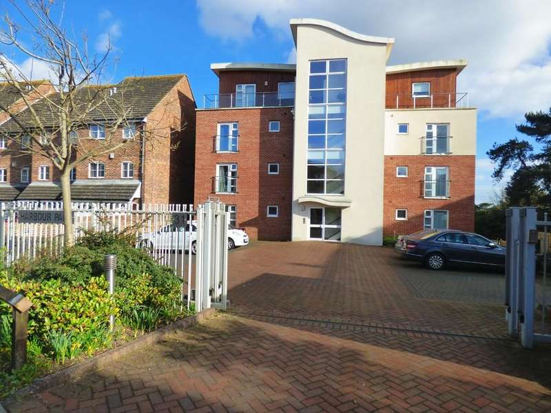 2 Bedrooms Apartment Flat for sale in Mount Pleasant Road, Poole