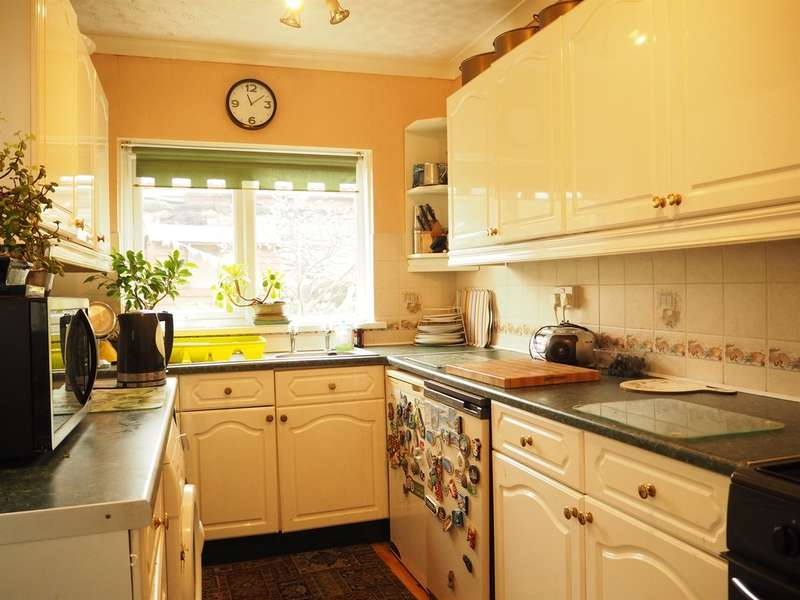 2 Bedrooms Terraced House for sale in St Stephens Road, Newport
