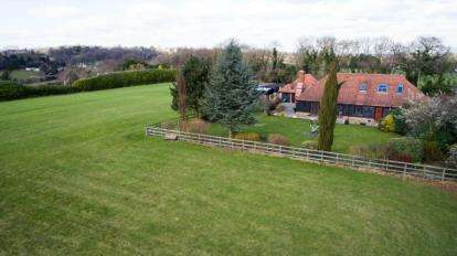 3 Bedrooms Equestrian Facility Character Property for sale in New Road Hill, Downe, Orpington