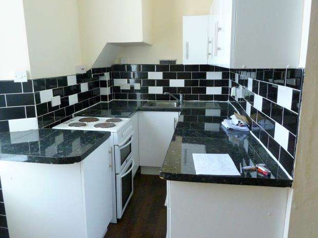 1 Bedroom Flat for sale in Abbey Road, Torquay, Devon