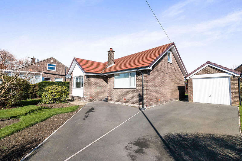 2 Bedrooms Detached Bungalow for sale in Woodrow Drive, Low Moor, Bradford, BD12