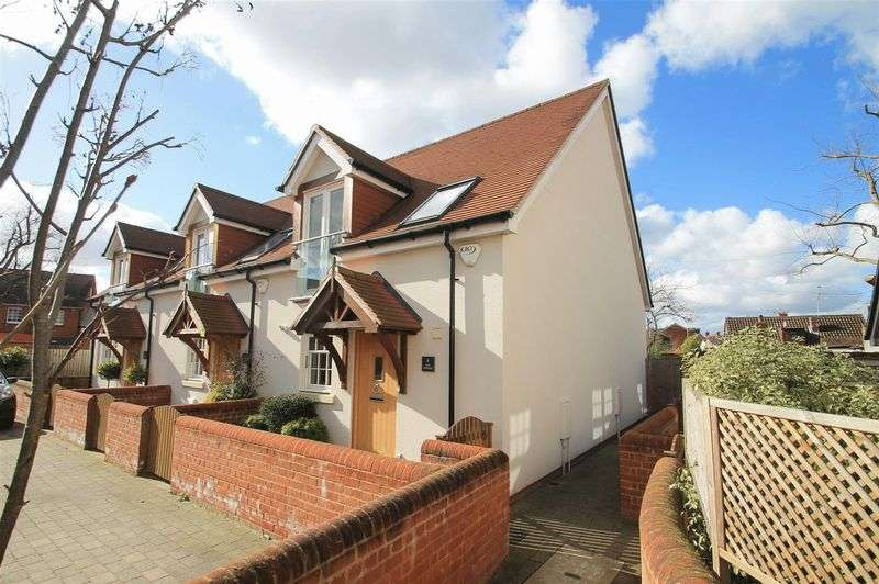 2 Bedrooms Terraced House for sale in Ripley Village