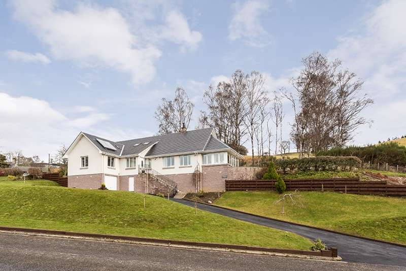 4 Bedrooms Detached House for sale in Pitcastle South, Pitlochry, Perthshire, PH16 5JT