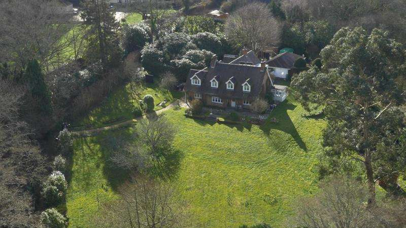 6 Bedrooms Country House Character Property for sale in Ringwood - New Forest BH24