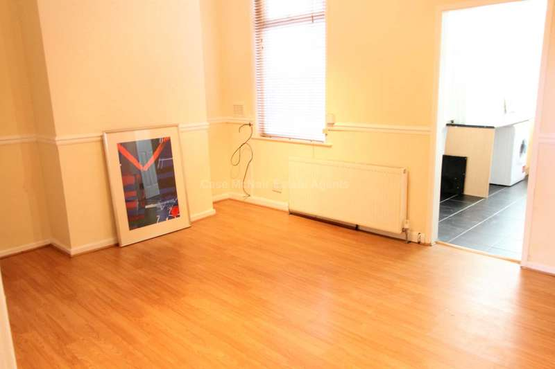 4 Bedrooms Terraced House for sale in Strawberry Road, Salford