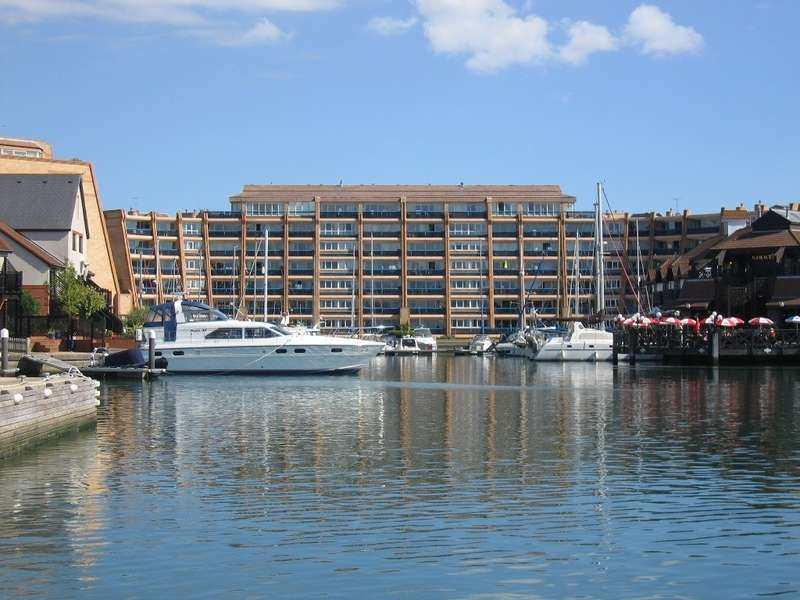 3 Bedrooms Flat for sale in Port Solent, Hampshire